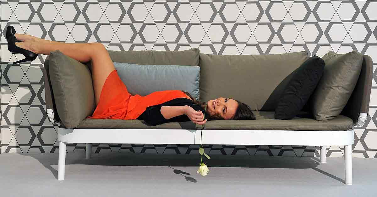 Как похудеть на диване: мысленные практики для стройности